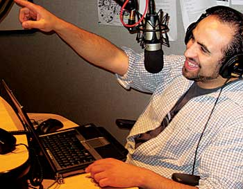 Vocalo's Luis Perez