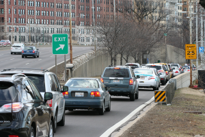 Cars back up at rush hour at the Belmont Avenue exit on northbound Lake Shore Drive. Photo credit: NorthLakeShoreDrive.org
